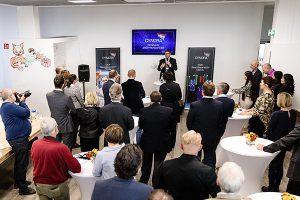 首席执行官Adam A. Kablanian先生在CYNORA的演讲(Harald Flügge博士拍摄)。